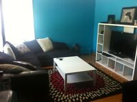 Room For Rent-Big House-Close to Metro-Private Parking
