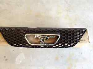 Ford Mustang grill with emblem