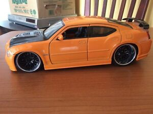 DIECAST COLLECTION CHARGER