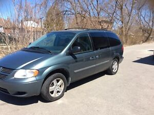 2007 Dodge grand Caravan stow and go etested