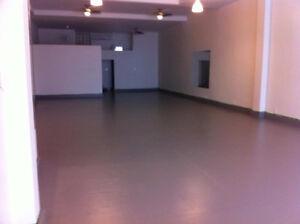 Espace commercial à louer - Magasin, Studio, Bureau