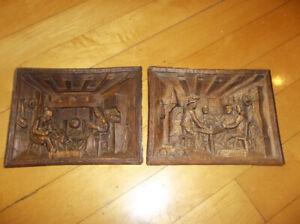 2 Petits cadres sculptés en bois
