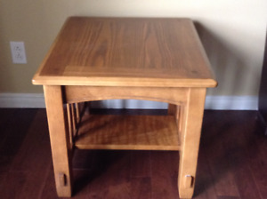 End table/ Side table