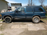Parting out 92 chev 4x4 blazer  email for prices & needs