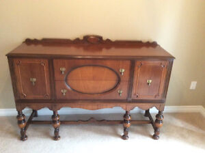 ANTIQUE CONSOLE SIDEBOARD - CABINET, A COLONIAL STYLE Kitchener / Waterloo Kitchener Area image 9