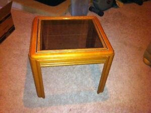 End table London Ontario image 1