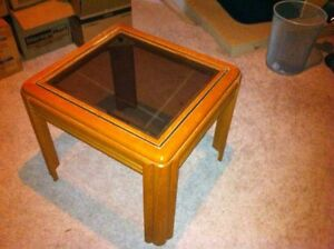 End table London Ontario image 2