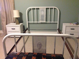 Antique metal double bed frame