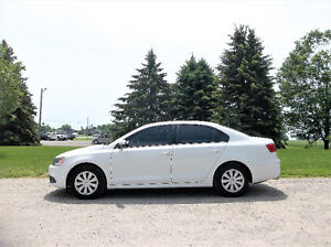 2014 Volkswagen Jetta Sedan- 4 Cylinder & Automatic w/ Just 38K!