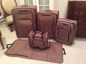 Swiss Army 5 Piece luggage set