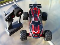 Traxxas E-Revo 4WD 1/16 Scale Brushed Truck RTR