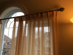 Tringle pour rideaux à plis francais