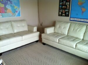 Cream couch set-mint condition!