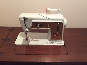sewing machine kijiji free classifieds in winnipeg. Black Bedroom Furniture Sets. Home Design Ideas