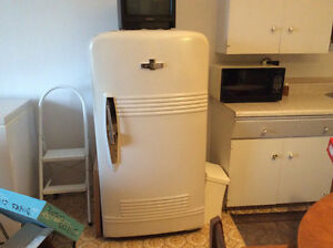 Frigidaire antique Mc Larry