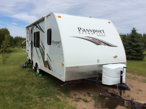 "Like new 24' 5"" aluminum hardwall trailer"