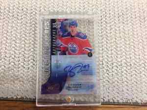 Connor McDavid 99/125  ICE PREMIERES AUTO   Rookie hockey card