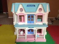 """Fisher Price 3 STORY LOVING FAMILY DOLLHOUSE"""""""