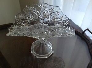 Vintage Early American Pressed Glass Banana Stand