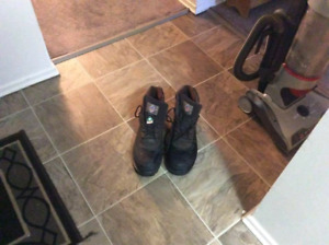 Men's size 11 CSA approved work boots.  Worn only a couple times