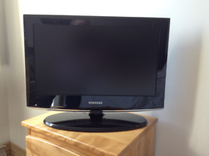 Samsung Television - 21 inch Screen