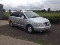 2007 Ssangyong Rodius 270 S 7 seater silver motd feb 17 good condition inside and out