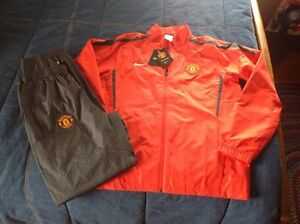 Manchester United warm up suit