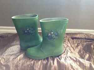 Rubber boots sizes 11-1 Cornwall Ontario image 5