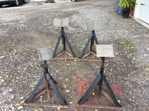 Boat stands