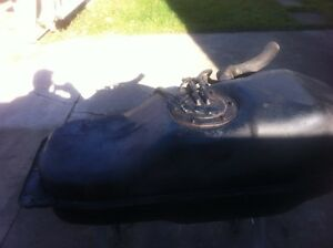 2000 Nissan frontier 2.4 l gas tank with pump