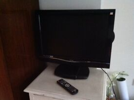 """Bush 22"""" tv/DVD with free view"""