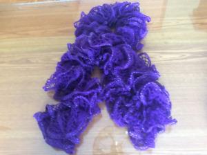 Foulards tricotés à la main
