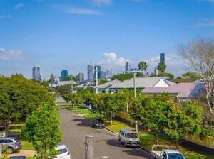 Large Hawthorne furnished room 5mins to CityCat Hawthorne Brisbane South East Preview