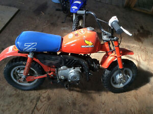 Honda dirt mini bike