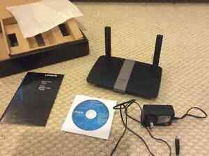 Linksys AC1200+ Router