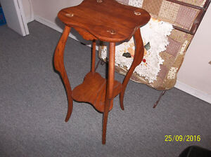 Antique solid oak plant stand-very ornate Kitchener / Waterloo Kitchener Area image 3