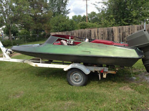 NEED GONE Speed boat .75hp evenrude