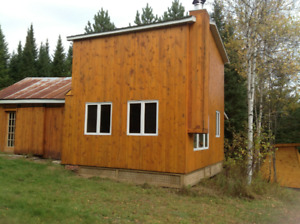 Superbe terre à bois, érablière, droits de construire