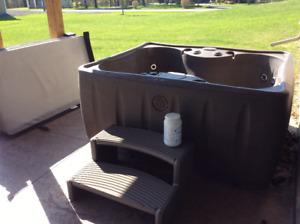 Hot Tub 4 people