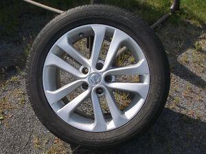 4 pneus good year avec capteur et mags