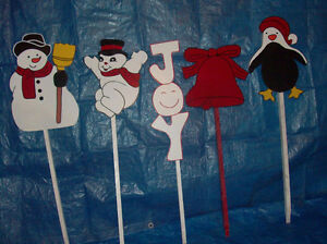Hand-painted wooden Christmas lawn ornaments London Ontario image 2