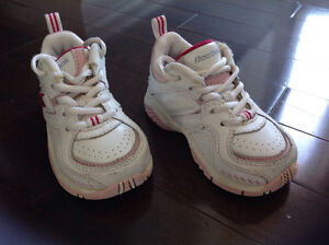 REEBOK INFANT GIRL'S RUNNING SHOES - SIZE 4 1/2
