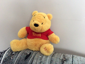Pooh and tigger stuffed animals
