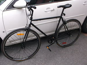 MINELLI BIKE REDUCED TO SELL - PERFECT STUDENT COMMUTER
