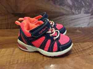 Carters light up Runners - Size 5