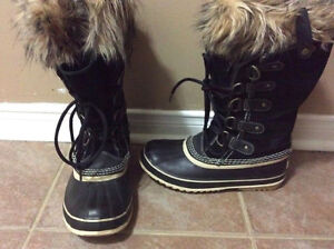 Joan of Arctic Size 7