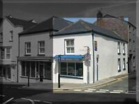 Retail Shop / Offices to let, Haverfordwest Town Centre with free street parking.