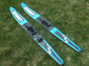 ADULT SIZE WATER SKIS 403-669-3494