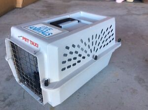 Gray carrier in good condition  Kitchener / Waterloo Kitchener Area image 1