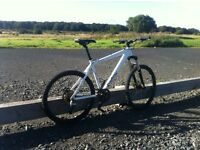Hard tail mountain bike £180